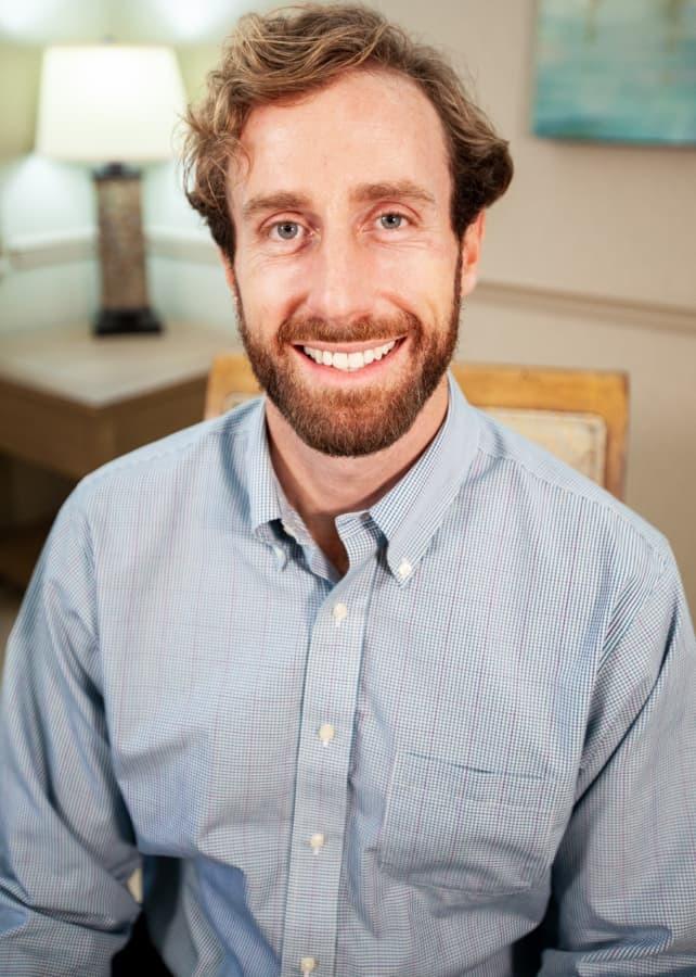 Dr. MacKenzie Farnham